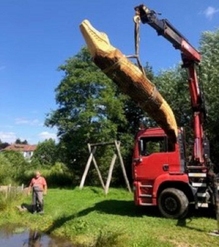 Neue Holzskulpturen auf dem Naturspielplatz Selters