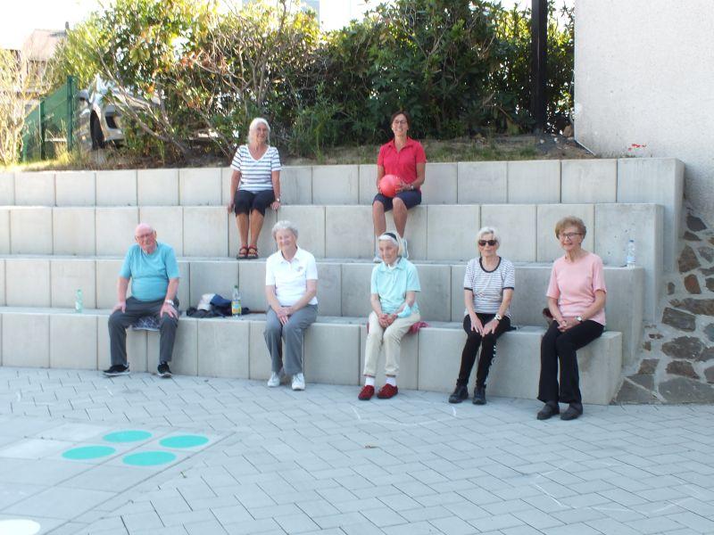Gymnastik im Freien macht gemeinsam Spaß. Fotos: Veranstalter