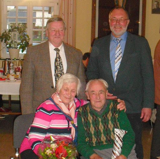 Volles Haus beim Seniorennachmittag in Mittelhof