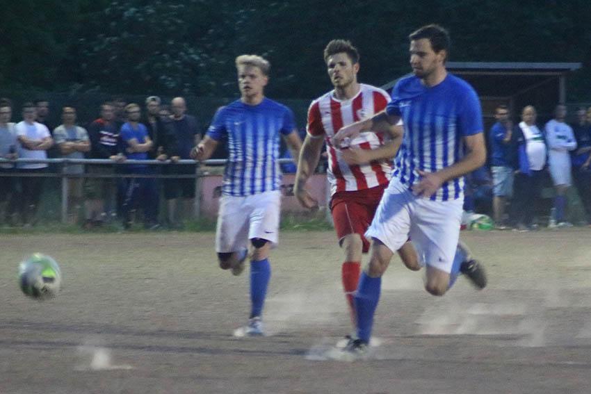 """Stadion """"Rote Erde"""" ein gutes Pflaster für die SG Puderbach"""