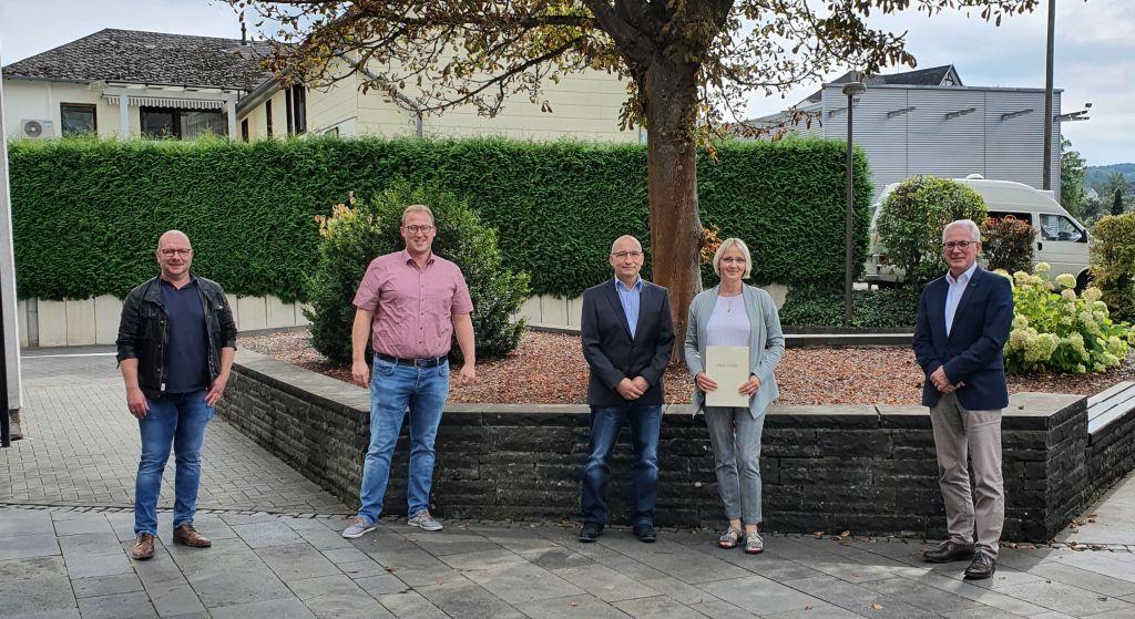 Silvia Müller begeht 40-jähriges Dienstjubiläum bei der Verbandsgemeinde Puderbach