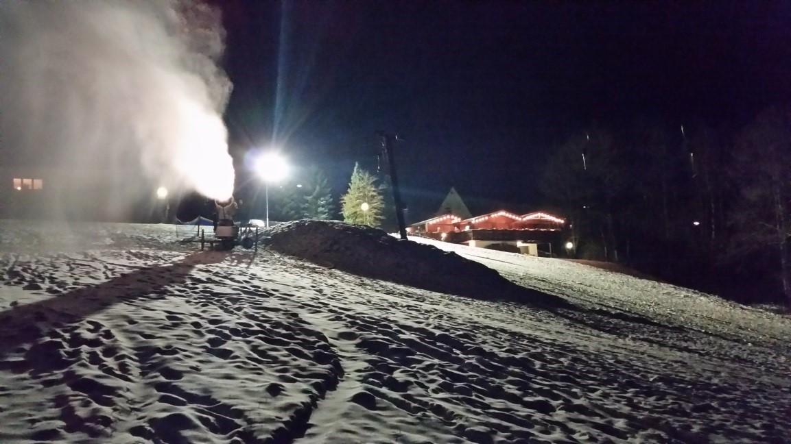 Nach der Abfahrt: Apr�s-Ski-Party in der Wissener Brandeck-H�tte