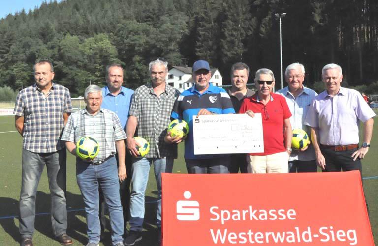 Spende der Sparkasse Westerwald-Sieg an Rheinlandligisten