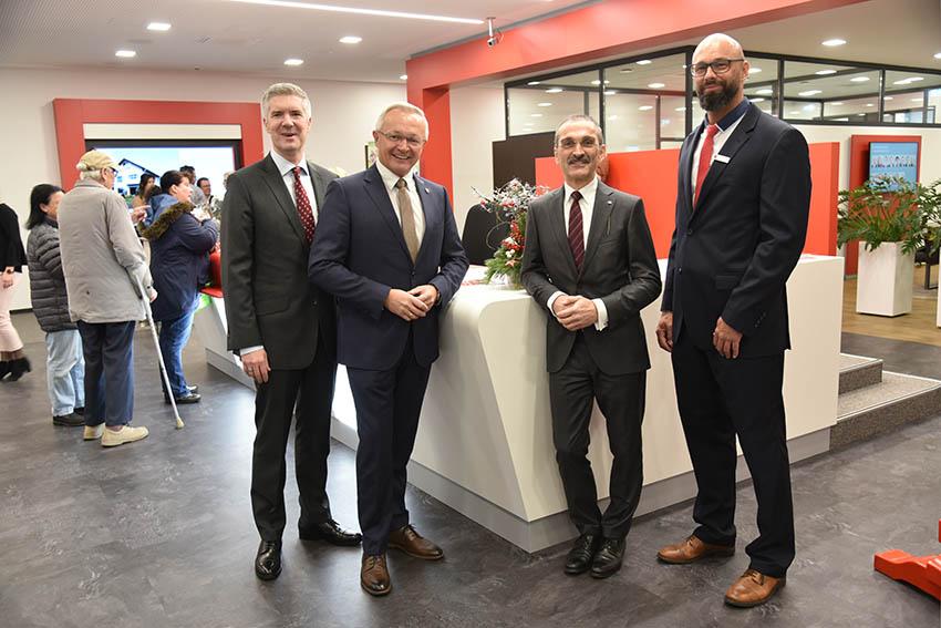 Sparkasse hat neue Filiale in Linz bezogen