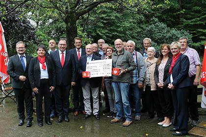 Sparkassenstiftung spendet 25.000 Euro f�r das Tierwohl