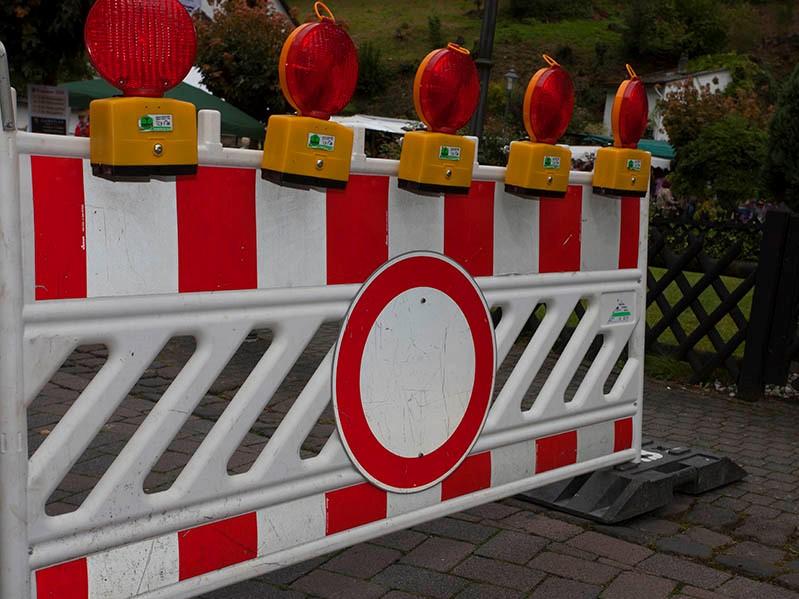 Wegen Gleisarbeiten wird Bahnübergang zwischen Staudt und Bannberscheid gesperrt