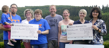 Private Initiative: �Freusburg Feuer� erbrachte 4.400 Euro f�r den guten Zweck
