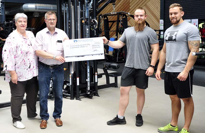 Fitnessstudio spendet an Freunde der Kinderkrebshilfe Gieleroth