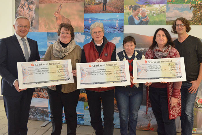 Landrat Hallerbach unterstützt Selbsthilfegruppen