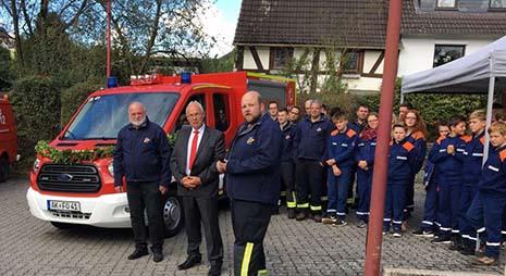 Neues Einsatzfahrzeug der Feuerwehr Oberlahr über Spenden finanziert
