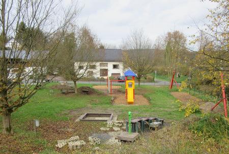 Am Mehrgenerationenplatz in Pracht-Wickhausen wird weiter gearbeitet. Außerdem werden die Spielplätze in Pracht und Niederhausen überprüft. (Foto: Ortsgemeinde Pracht)