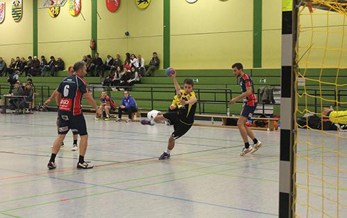 Zu selten wurden die oftmals freistehenden Kreisläufer angespielt, wie hier Florian Heidrich. Foto: Verein
