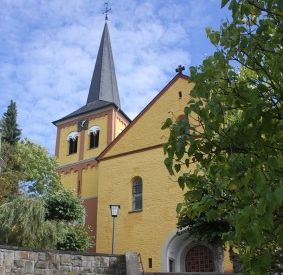 Ausstellung mit biblischen Erzählfiguren in Asbach