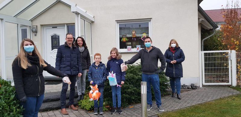 Von links: Jacqueline Schlotter, Mario Parbel mit Frau Sandra Parbel und ihren Kindern Justus und Romy, Markus Schlotter und Alexandra Marzi. Foto: privat