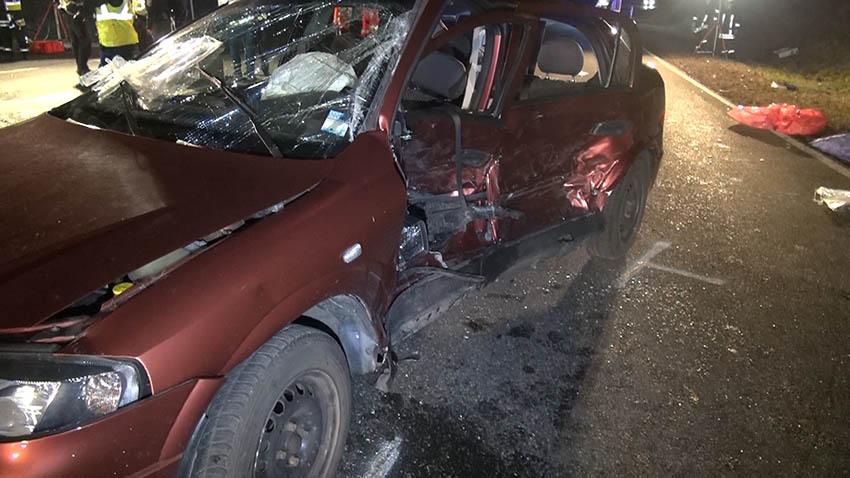 Schwerer Verkehrsunfall - drei Personen tödlich verletzt
