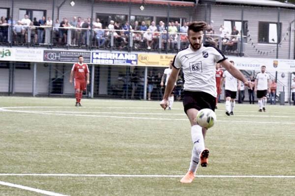 1. Mannschaft des SV Rengsdorf vor Aufstiegsfinale