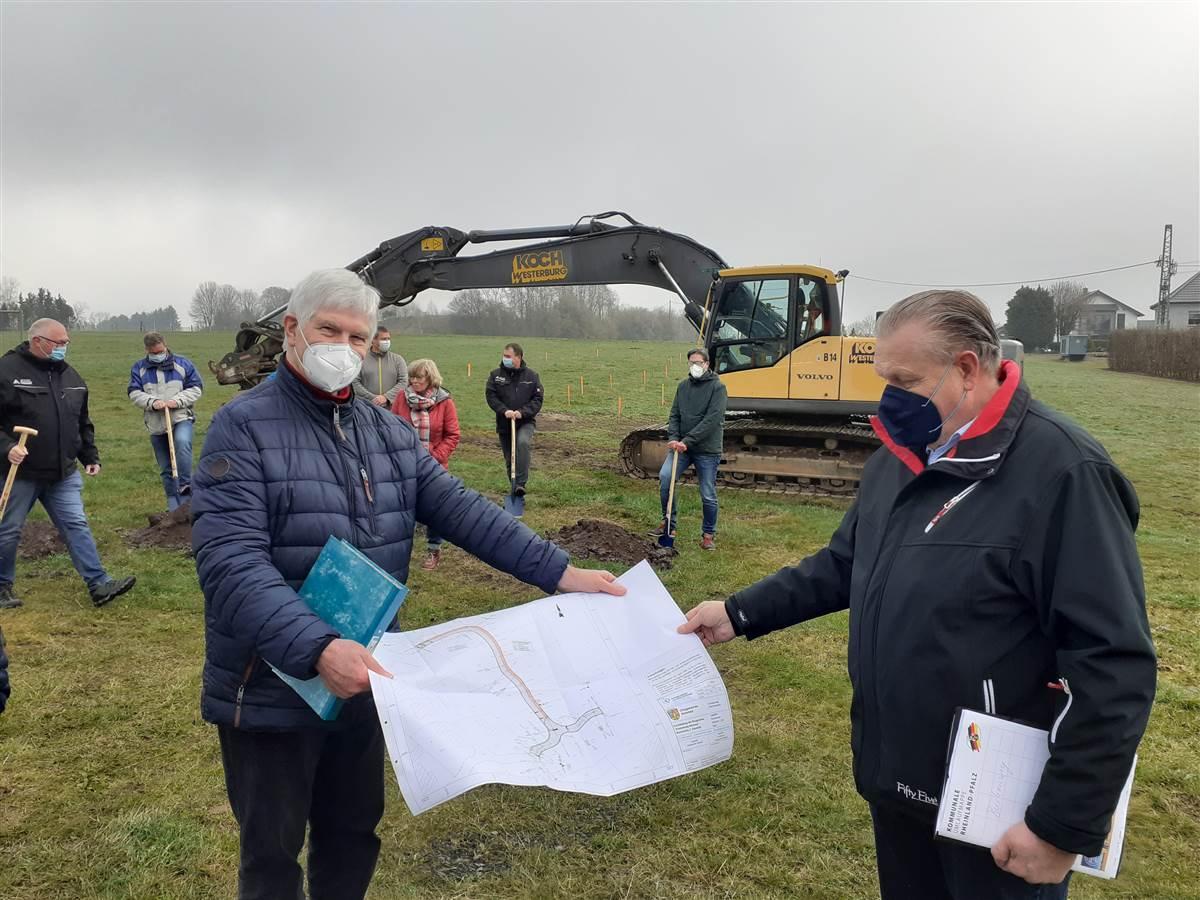 Spatenstich in Weitefeld: Drittes Neubaugebiet wird erschlossen