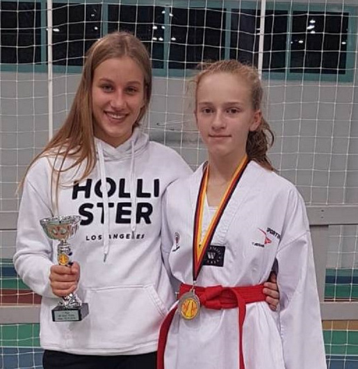 Taekwondo-Erfolge f�r Jill-Marie Beck und Leni Schwab