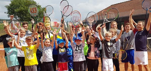 ASG Altenkirchen und Tennischule TAW laden zum Tennis-Camp