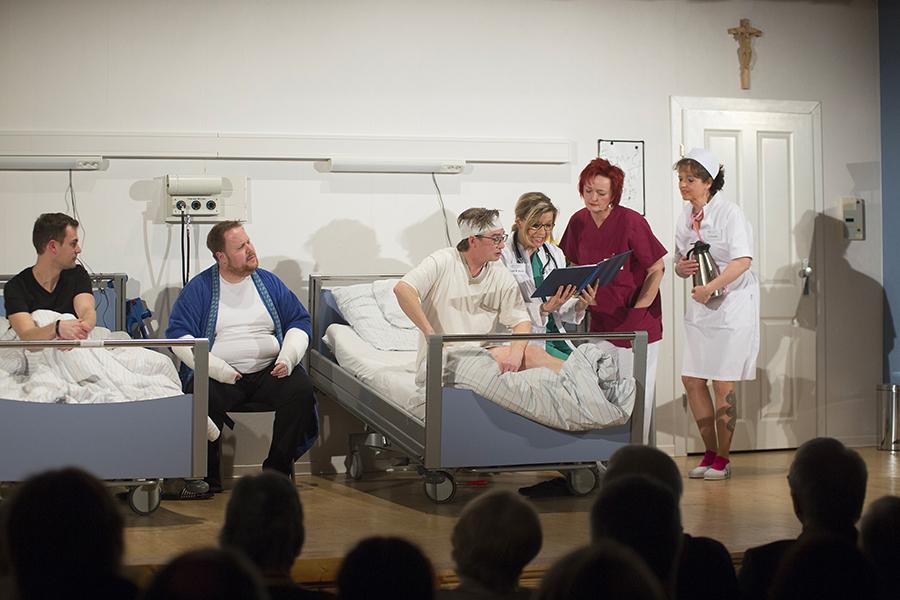 """Theatergruppe in VG Rengsdorf spielt """"Tratsch im Treppenhaus"""""""