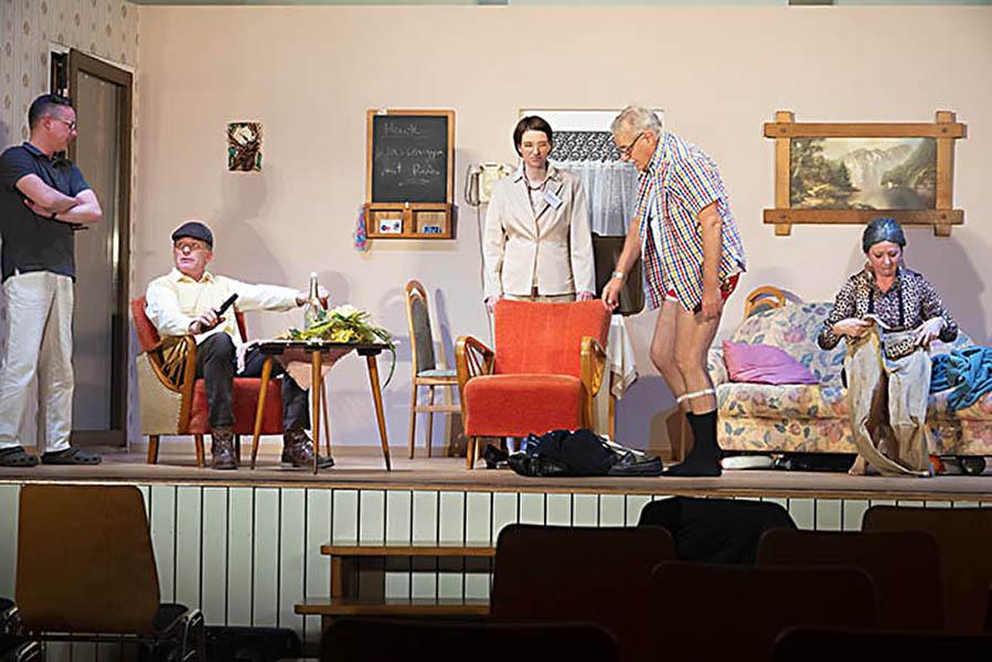 Theatergruppe im Kirchspiel Urbach hat bald Premiere
