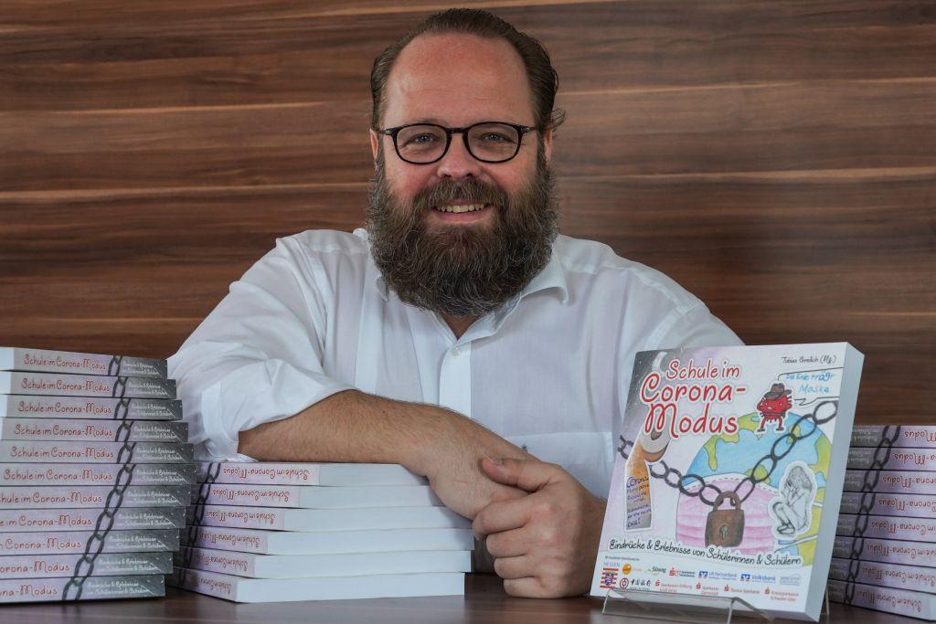 """Schüler schreiben ein Buch über ihre Erfahrungen: """"Schule im Corona-Modus"""""""