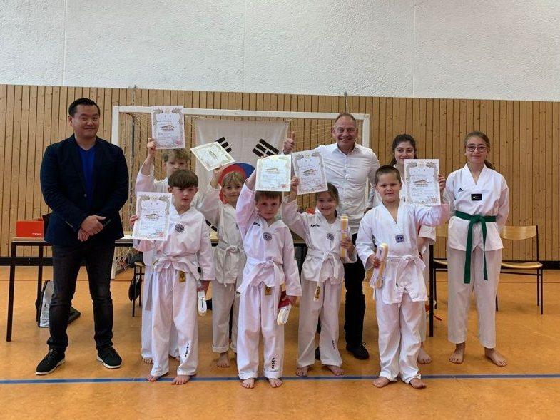 Taekwondo-Gürtelprüfung in Wallmenroth: Schönes Erlebnis in besonderer Zeit