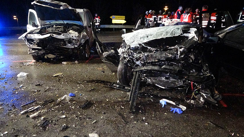 Horrorunfall auf L 307 mit drei Toten und drei Schwerverletzten