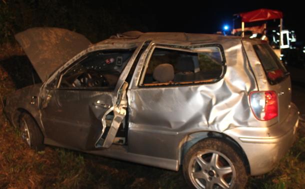 PKW �berschlug sich: Fahrerin schwer verletzt