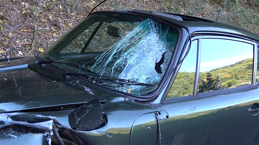 Schwerer Unfall zwischen Porsche- und Motorradfahrer