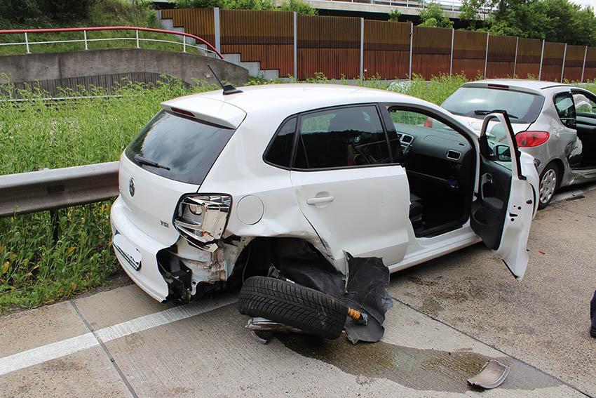 Auffahrunfall mit fünf Fahrzeugen und 60.000 Euro Schaden