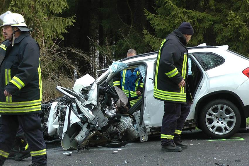 Unfall auf der B 255 bei Rennerod forderte zwei Schwerverletzte