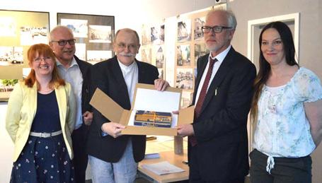 Stiftung Kultur im Kreis AK erhält Original-Urkunde der Stadtrechte