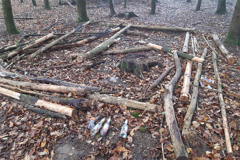 Vandalismus im Wald Puderbach