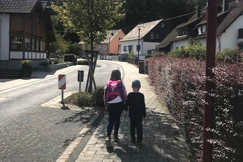 """Bundesweite Aktionstage """"Zu Fuß zur Schule und zum Kindergarten"""""""