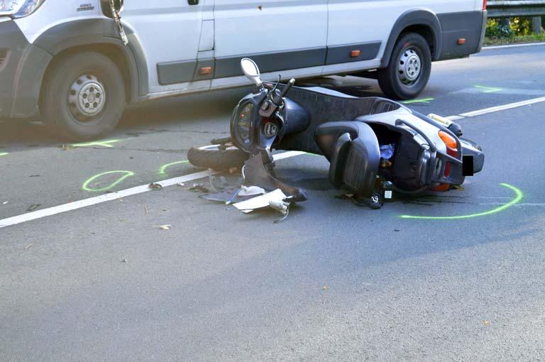 Verkehrsunfall auf der B 256 fordert Schwerverletzten