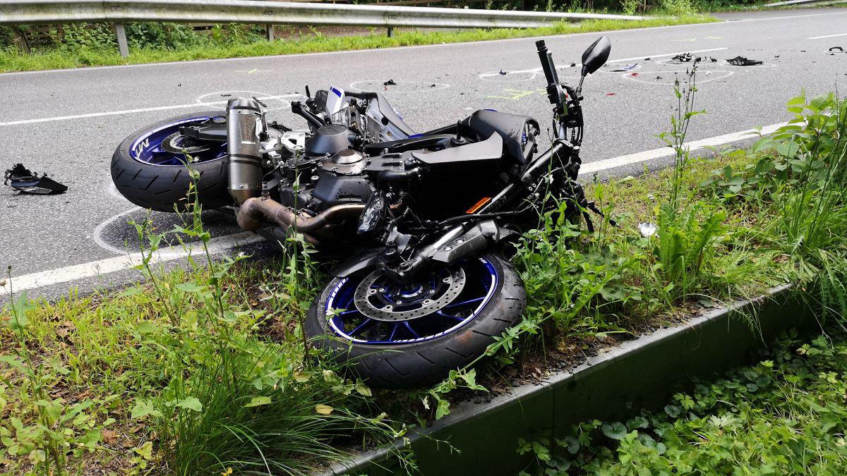 Motorradfahrer erlitt bei Unfall schwere Verletzungen