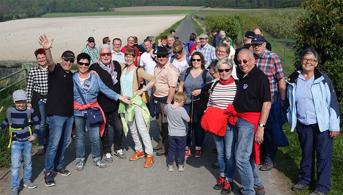Familienwanderung der Linzer Schweren Artillerie um Laacher See