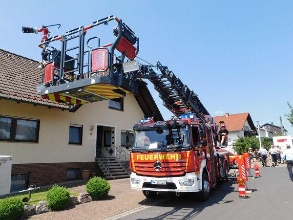 Dernbach feierte die Feuerwehren des Westerwaldes