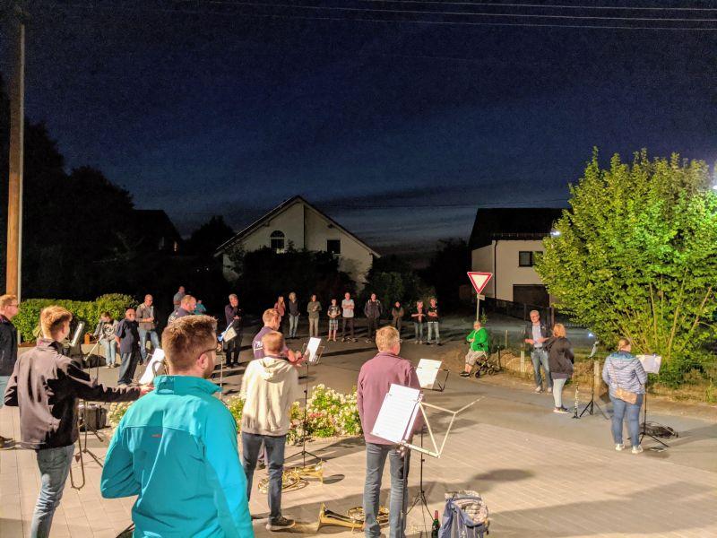 Musikverein verwandelte Sessenhausen in ein Weindorf