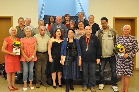 Die Teilnehmer des Projektes und Landrat Lieber (Mitte). Foto: kkö