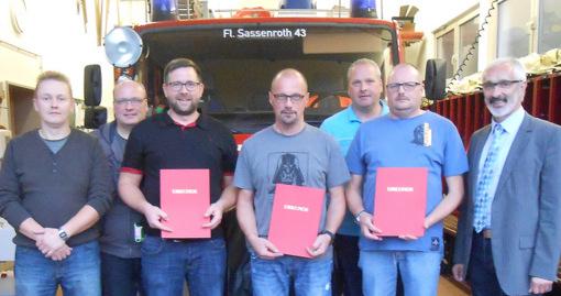 Neues F�hrungsteam bei der Feuerwehr in Sassenroth