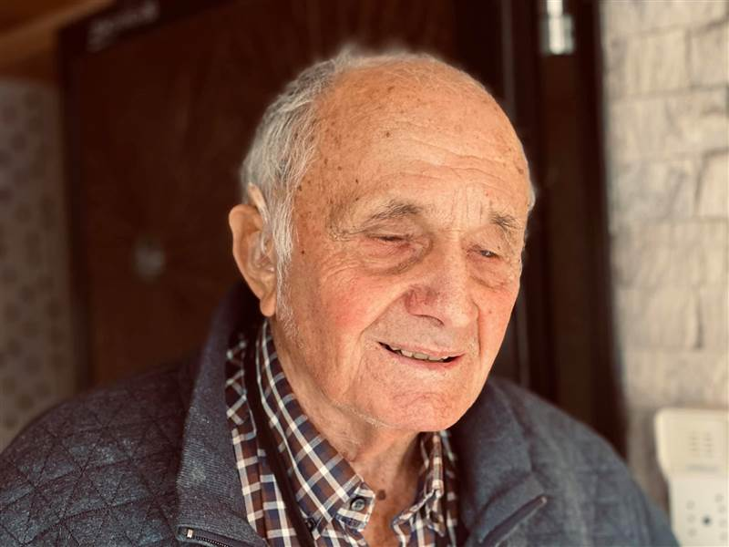 """Telefonhilfe: Ältester """"Wäller Helfer"""" hat offenes Ohr für Senioren, Einsame und Kranke"""