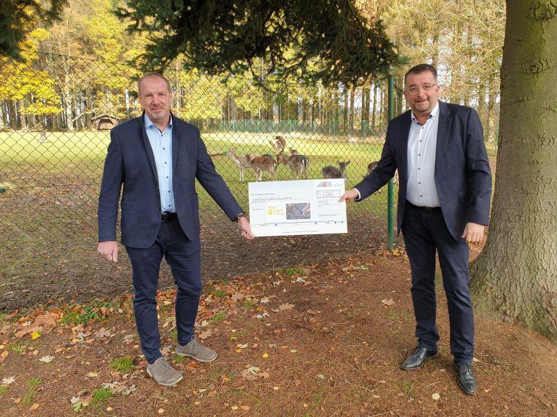 Jens Ulrich Schmidt und Stefan Weber im Wildpark Bad Marienberg. Foto: privat