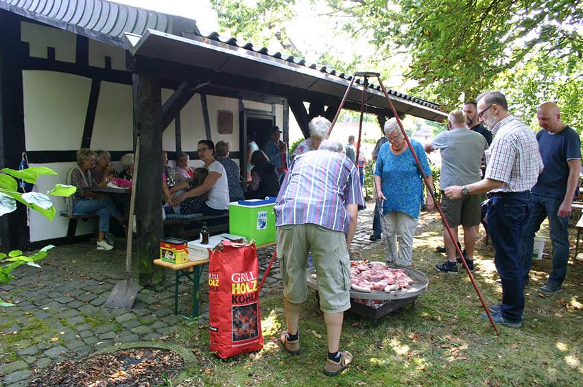 Außen- und Grilltemperatur stimmten in Windhagen