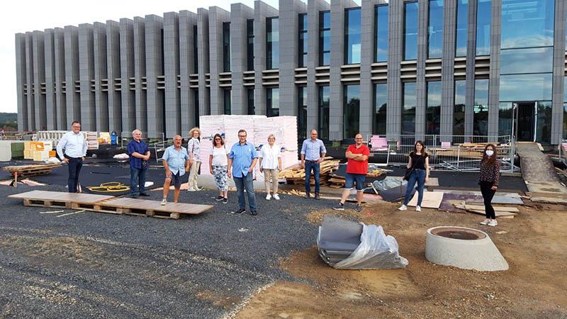 Hochbauausschuss und Gemeindeleitung besuchten Baustelle der Wirtgen Invest Holding