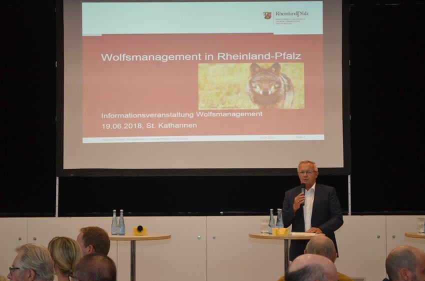 Wolfsmanagementplan f�r den Westerwald vorgestellt