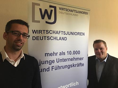 v. l. n. r.: Marc Ulland (Geschäftsführer, Tool Service Ulland GmbH, Etzbach) und Dominik Lukas (AXA Bezirksdirektion Lukas, Hamm/Sieg). Foto: Verein