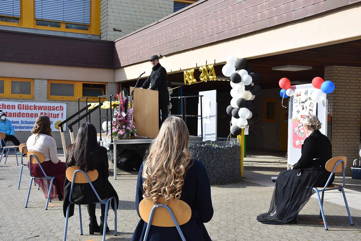 Abitur 2021: Corona sorgt für Abiturfeier im Auto