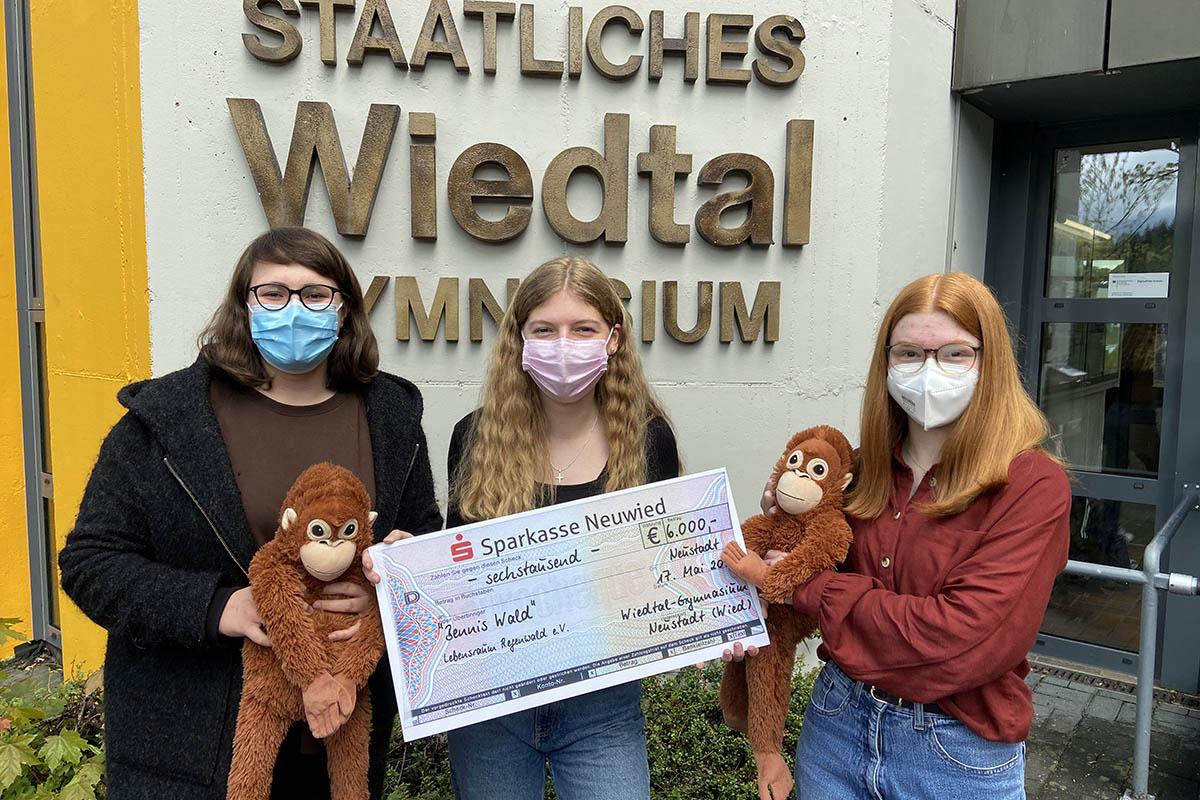 WTG-Schülerinnen sammeln 6.000 Spendengelder